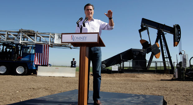 Romney speaks at Colorado oil and gas rig in Colorado